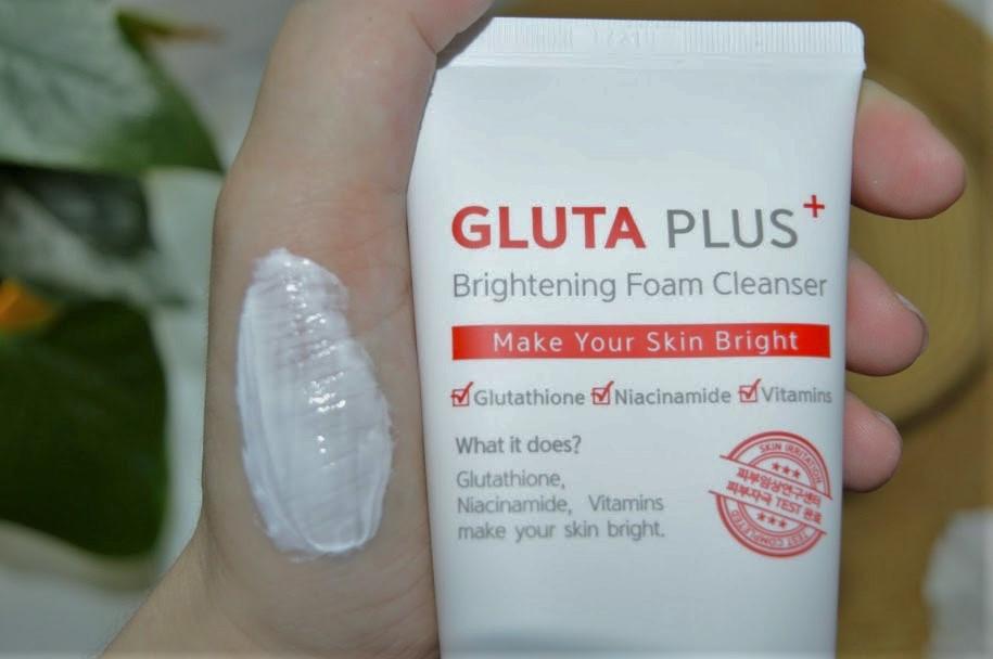Осветляющая пенка для умывания лица Useemi Gluta Plus Brightening Foam Cleanser 150 мл (8809638301495)