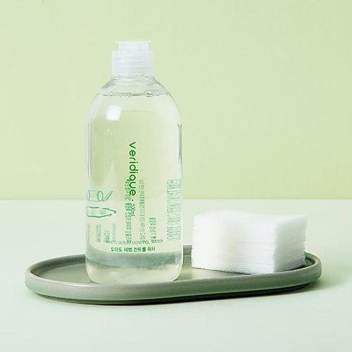Мицеллярная вода с матирующим эффектом Veridique Tomato Sebum Control Water 500 мл (8805566013059)